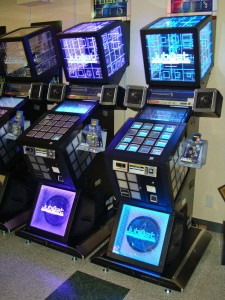 Jubeat machines, photo from Wikipedia (JP)